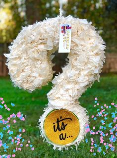 Handcrafted Traditional hit with a stick Pinata or Pull Strings Pinata made from recycled cardboard Birthday Pinata, Pinata Party, Birthday Party Themes, Gender Reveal Pinata, Baby Shower Gender Reveal, Baby Gender, Minion Pinata, Ideas Para Fiestas, Baby Shower Fun