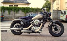 ................................... premier custom, premier bobber, simple et sobre .......