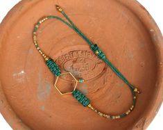 Friendship bracelet - Emerald green turquoise and gold - Macrame / woven jewelry - Miyuki delica seed beads - Hexagon - Boho chic
