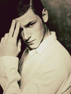 Gaspard Ulliel Male Model Names, Male Models, Bones Actors, Werewolf Name, Hannibal Rising, Gaspard Ulliel, French Models, Charming Man, Ideal Man