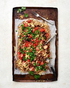 Uuninuudelit   Meillä kotona Chorizo, Family Meals, Food Inspiration, Feta, Noodles, Food And Drink, Cooking Recipes, Dinner, Milan