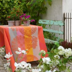 Lovely tablecloth for the garden by Le Jaquard Français