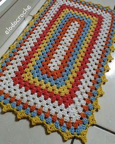 Crochet Bedspread Pattern, Crochet Flower Patterns, Crochet Designs, Crochet Doilies, Crochet Stitches, Crochet Sole, Crochet Hat Tutorial, Crochet Table Mat, Diy Crafts Crochet