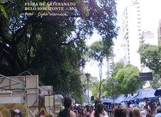 Feira de artesanato que acontece nas manhãs de domingo ao lado do Parque Municipal em Belo Horizonte.    São muitas barracas e com produtos bem variados.