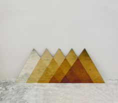#Lex #Pott – Spelen met #kleur en #materiaal #transcience #spiegel #driehoek #piramide #geometrisch #gevormd