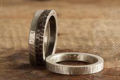 conjunto de anéis masculinos Trio by QUO. Feito à mão em prata 925.Acabamento rustico (Oxi) e martelado. #handmade #natural #mineral #rock