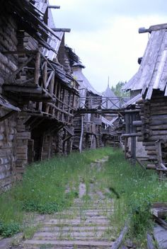 Abandoned film set in Moscow that emulates Russian Novgorod (medieval Russian) architecture. Abandoned Buildings, Abandoned Mansions, Old Buildings, Abandoned Places, Abandoned Film, Derelict Places, Wooden Buildings, Medieval Fantasy, Dark Fantasy