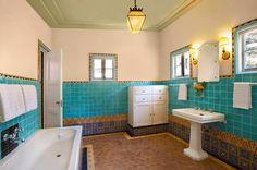 mediterrane Einrichtung mit marokkanischem Flair-badezimmer