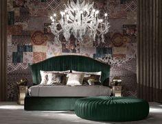 Nella Vetrina Sharpei Roberto Cavalli Home Modern Luxury Italian Bed in Wood and Velvet
