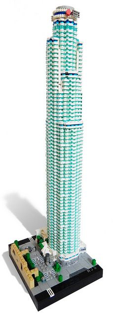 Rocco Buttliere updated his 2011 model of the US Bank Tower. The 1×1 columns were previously unsupported but now are attached every few floors by 1×5 technic plates. Additionally some str…