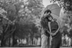 Iram Lopez Photographer » Wedding Photographer / Destination Wedding / Bodas en Playa & Destinos en México » Lily y Carlos: E. session en Monterrey// Love is in the rain!
