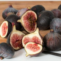 Who loves figs? ❤️   I am a massive fan. I love them just plain in a salad or fruit platter or my secret indulgence is cut in half with a small piece of goats cheese stuffed in side, wrapped in prosciutto and drizzled with honey, then baked for a few minutes to melt the cheese. Insanely good! 😃   ➡️ www.threesixfiveplus.com ⬅️