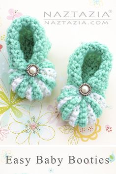 Learn Crochet Learn How to Crochet Simple Baby Booties Easy Shoes for Babies by Donna Wolfe from Naztazia - Learn how to make these simple baby booties. It's an easy pattern that works up quickly. A DIY crochet project by Donna Wolfe from Naztazia. Booties Crochet, Crochet Baby Boots, Crochet Baby Clothes, Crochet Slippers, Crochet Shoes, Crochet Baby Bootie Pattern, Knit Baby Shoes, Baby Slippers, Knitted Baby