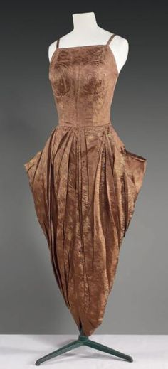 Evening dress, Emilio Schuberth, Rome, circa 1948/1950.  Cornette de Saint Cyr.