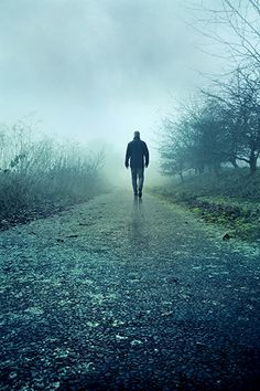 A man walking on deserted misty rural path Alone Photography, Nature Photography, Guy Pictures, Pretty Pictures, Epic Photos, Cool Photos, Alone Man, Banners, Creative Profile Picture