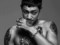 "Kim Hyun Joong Explodes with Masculine Charm for New Stills of ""Age of Feeling"" Justin Bieber Tattoos, Inspiring Generation, Korean Face Mask, Korean Tattoo Artist, Kim Joong Hyun, Kbs Drama, Mask Tattoo, Meme Center, Korean Star"