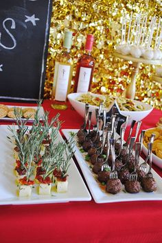 Throw an Oscar Party for your girlfriends | Party appetizers & finger food ideas |