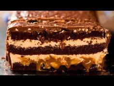 Chocolate cake – The giant Snickers! Snickers Cake Recipes, Cookie Recipes, Food Cakes, Cupcake Cakes, Mini Tortillas, Tostadas, Chocolate Cake, Biscuits, Peanuts