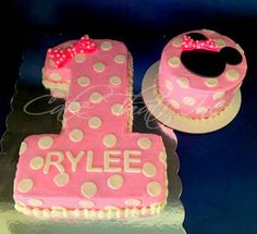 Minnie Mouse 2 tier with matching smash cake. Minnie Mouse cake and matching smash cake. Minnie Mouse Theme Party, Minnie Mouse First Birthday, Minnie Mouse Cake, Birthday Cake Girls, Girl First Birthday, First Birthday Parties, Birthday Ideas, Birthday Nails, Number One Cake