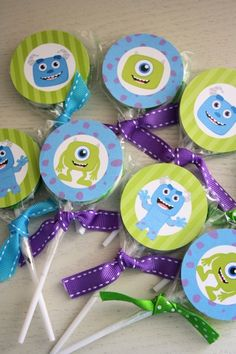 Descarga instantánea 2 pulgadas círculo Toppers por SweetSnazzy Monster Inc Birthday, Monster Inc Party, First Birthday Parties, Boy Birthday, First Birthdays, Monsters Inc Baby Shower, Monster University Party, Mike From Monsters Inc, Mike And Sully