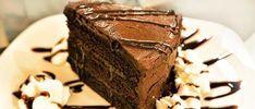 Op zoek naar een feestelijke koolhydraatarme chocoladetaart? Of gewoon zin in een lekkernij, zonder je schuldig te voelen? In dit blog vind je 2 toppers. Keto Foods, Keto Recipes, Go For It, Relleno, Crackers, Fruit, Snacks, Cake, Desserts
