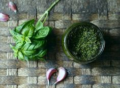 Vitória do verde: Bela Gil ensina a fazer uma receita com aquelas folhinhas que estão na geladeira