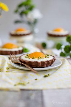 Alles und Anderes: Für die Ostertafel: Süße Spiegeleier-Tartelettes mit Schokolade und Frischkäse-Quark-Creme