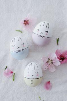 Süße Hasen-Ostereier bemalen crafts for kids to make easter Bunny Easter Eggs DIY Easter Egg Designs, Easter Ideas, Easter Egg Crafts, Easter Dyi, Easter Tree, Easter Decor, Diy Ostern, Hoppy Easter, Easter Bunny Eggs