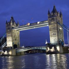 English Lessons in London (UPPER INTERMEDIATE) - ONLY £40 FOR 20 LESSONS on April 13 - 17, 2015 at 2:30 pm - 5:50 pm. 20 Lessons: Monday 1:30pm - 4:50pm (4 Lessons) Tuesday 1:30pm - 4:50pm (4 Lessons) Wednesday 1:30pm - 4:50pm (4 Lessons) Thursday 1:30pm - 4:50pm (4 Lessons) Friday 1:30pm - 4:50pm (4 Lessons). Category: Classes / Courses - Academic / Learning. Artists / Speakers: Jon Sumner. URLs: Tickets: http://atnd.it/20247-0, Facebook: http://atnd.it/20247-1