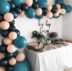 First birthday party table setting blue and pink balloons Sweet 16 Parties, Grad Parties, 16 Birthday Parties, Birthday Party Ideas, 16th Birthday, Baby Birthday, Teenage Girl Birthday, Thirtieth Birthday, First Birthday Balloons