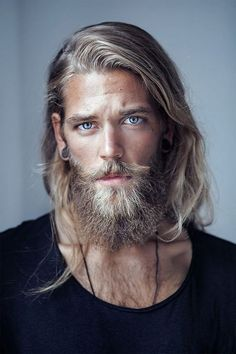 Guys with blonde hair, man with beard, huge beard, guys with beards, scruff Boy Hairstyles, Popular Hairstyles, Hair And Beard Styles, Curly Hair Styles, Fotografie Portraits, Men Blonde Hair, Blonde Beards, Ash Blonde, Photographie Portrait Inspiration