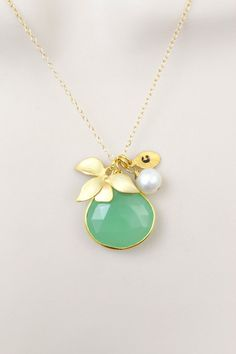 Orchid Flower Necklace May Birthstone Jewelry Gold Emerald Necklace Gifts for Mom Friend Statement Necklace Natural Gemstone Necklace
