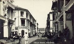 Malay Street, Singapore, where many of the Japanese brothels were History Of Singapore, Singapore Photos, Singapore Food, Old Pictures, Old Photos, Vintage Photos, Infernal Affairs, Straits Settlements, British Colonial Style