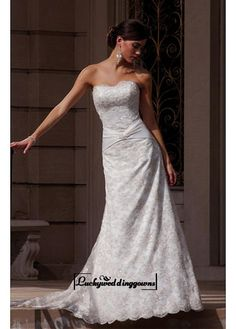 A Romantic Lace A-line Strapless Wedding Dress