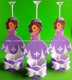 Centro de mesa de festa infantil da Princesa Sofia.  Cento de mesa com base redonda para colocar balinhas.  Acompanha suporte pra balão.    ...
