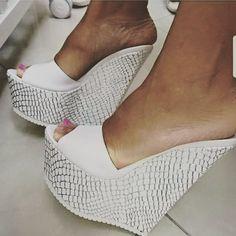 687 Likes, 26 Comments - high heels (@ilona_feet) on Instagram