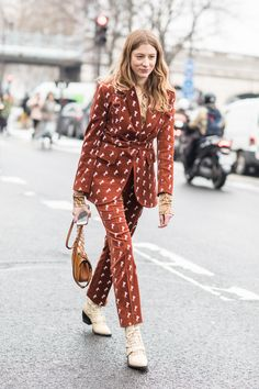 I god damn LOVE ADORE COVET this Chloé corduroy suit in a twee print. The slacks are my dream- incredible fit and proportion.