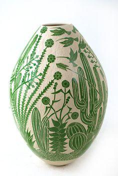 Mata Ortiz pottery - Ceramica Mata Ortiz - Designers - Diseñadores: Leonel Lopez Saenz - cactus
