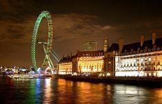 Al sureste de la isla de Gran Bretaña se encuentra la ciudad de Londres, capital de Inglaterra, fundada por los romanos en el año 43 con el nombre latino Londinium. Su población supera los ocho millones de habitantes, convirtiéndose en la ciudad más grande y poblada de la Unión Europea.