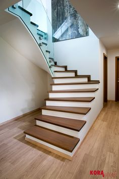 Drevený obklad schodov / Wooden stairway
