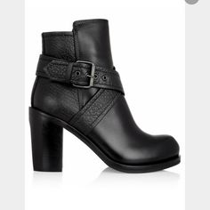 ISO ALEXANDER MCQUEEN BOOTS! Size 7/7.5! ISO THESE ALEXANDER MCQUEEN BOOTS! SIZE 7/7.5.  LOOKING TO SPEND AROUND $150. PLEASE TAG ME IF YOU HAVE A PAIR OR KNOW OF SOMEONE WHO HAS A PAIR. THANKS!!! Alexander McQueen Shoes