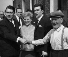 Infamous London gangsters Ronnie and Reggie Kray with their mother Violet and grandfather Jimmy Lee. (Photo by Ron Gerelli/Express/Getty Images) Mafia, East End London, Old London, David Bailey Photography, Welcome Back Home, The Krays, Twin Pictures, Eaton Square, Vintage
