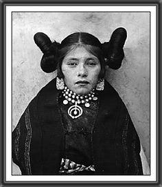 Hopi Maiden, 1901  American photographer Adam Clark Vroman (1856-1916)