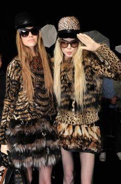 Eyewear 'Wild Diva' from the FW 2013 fashion show. Leopard Fashion, Animal Print Fashion, Fur Fashion, Fashion Prints, High Fashion, Fashion Show, Animal Prints, Safari Fashion, Roberto Cavalli