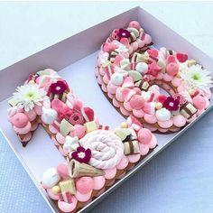 Ideas Birthday Cake Ideas Sweet 16 For 2019 16 Birthday Cake, Sweet 16 Birthday, Number Birthday Cakes, Birthday Ideas, Birthday Recipes, Birthday Balloons, Happy Birthday, Cupcakes, Cupcake Cakes