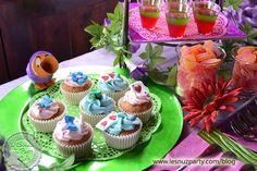 Mesa dulce Alicia en el País de las Maravillas cupcakes - Sweet table Alice in Wonderland