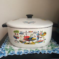 Hey, I found this really awesome Etsy listing at https://www.etsy.com/listing/286866891/georges-briard-enamelware-pot-and-lid