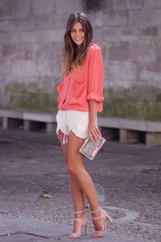 trendy_taste-look-outfit-street_style-coral_blouse-blusa_coral-nude_shorts-nude_sandals-sandalias_nude-hoss_intropia-zara-clutch_transparente-transparent_clutch-SS13-verano-12