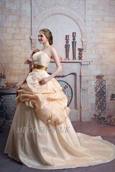 Wedding Dress Bride Gown #weddings