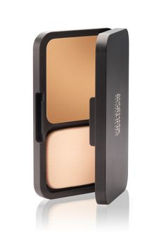 ANNEMARIE BÖRLIND Compact make-up for redness and imperfections available in colors Ivory, Natural, Almond and hazel.